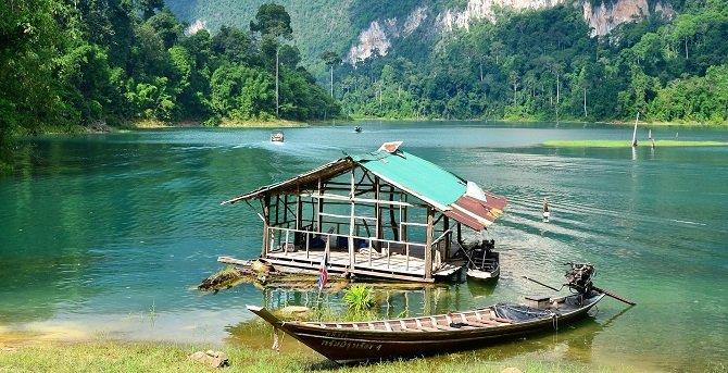 Cheow Larn Lake at Khao Sok National Park