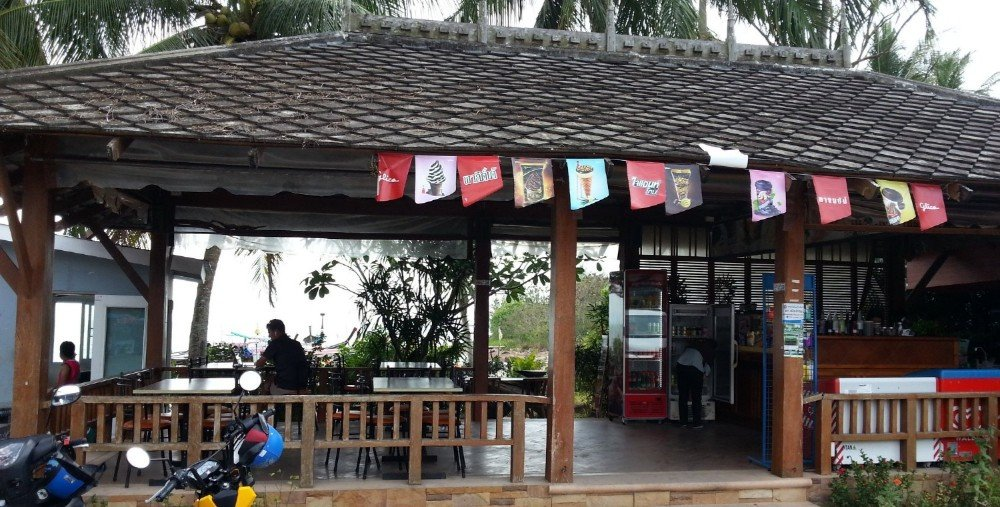 Cafe at Ao Nammao Pier