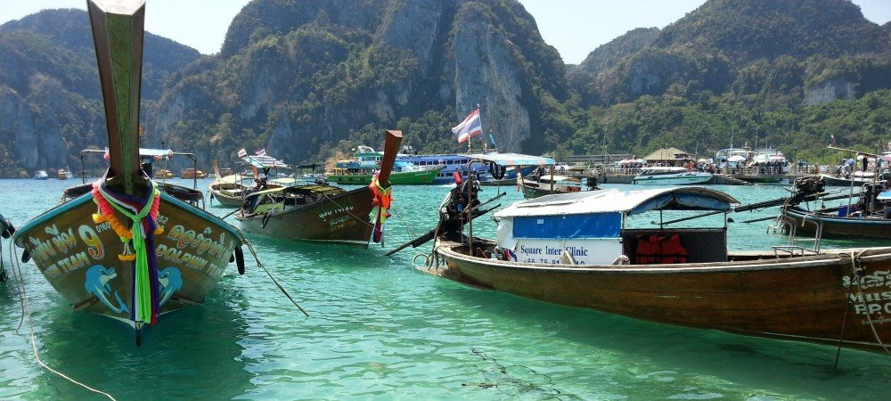 Many different types of boat at Tonsai Pier